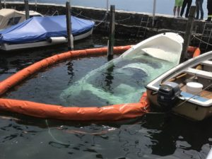Bergung eines Motorboots in Ascona